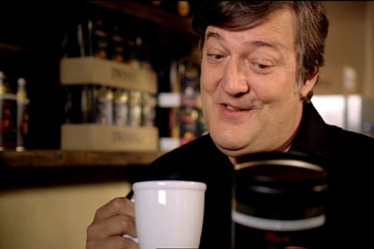 """Stephen Fry: copyright holders are """"wrong"""" in pursuing downloaders"""