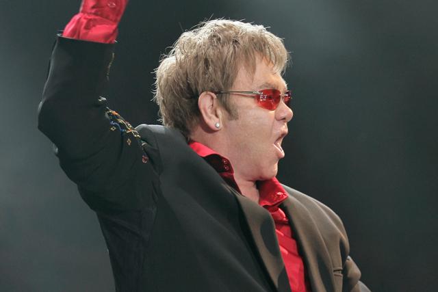Elton John: headlines Magic Summer Live