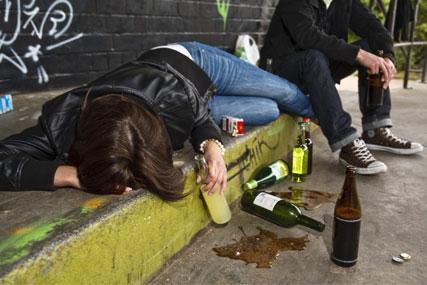 Binge-drinking: MPs seek alcohol ad curbs