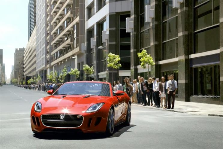 Jaguar: unviels global F-Type campaign