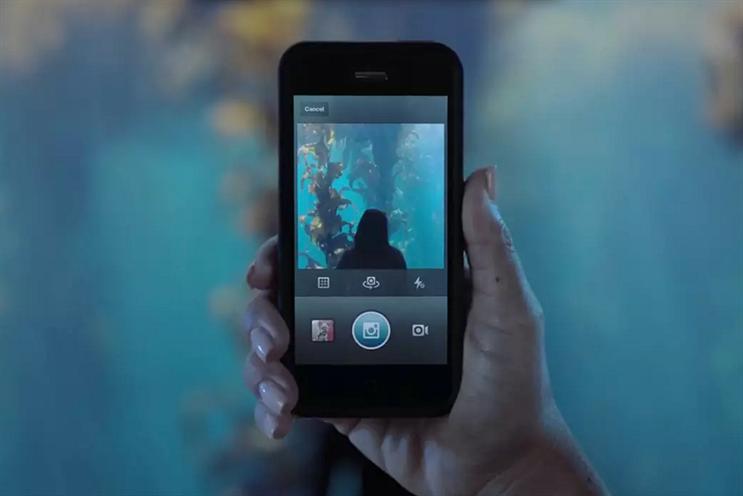 Instagram attracts 200,000 brands
