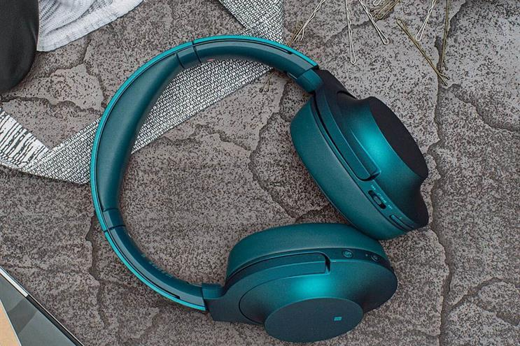Sony seeks shop to handle global headphones activity