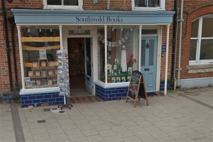 Waterstones criticised over 'unbranded' high street shops