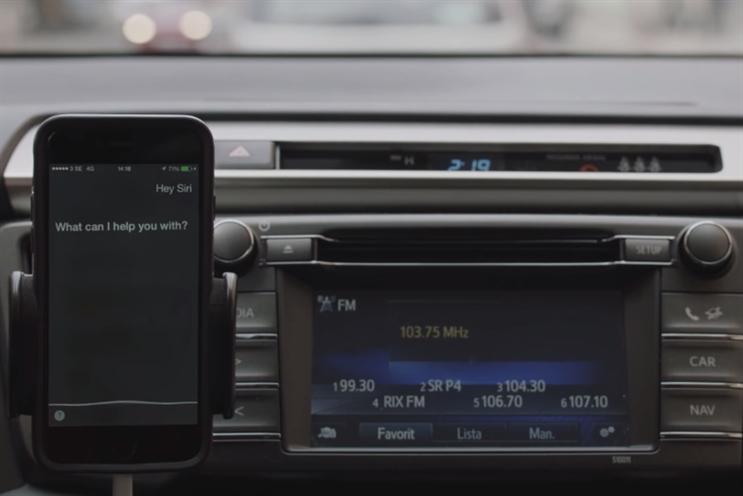 Toyota: hijacks voice control on smartphones through a radio ad