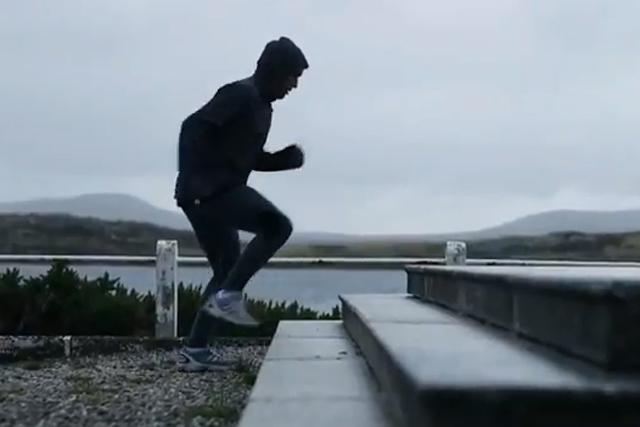 Fernando Zylberberg: filmed doing step-ups on a British War Memorial
