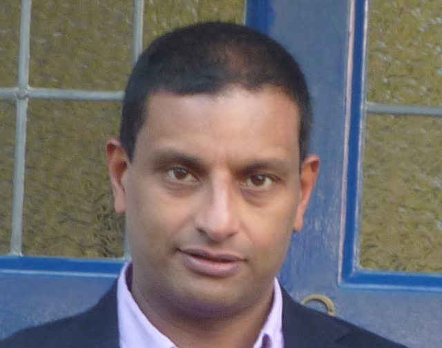 Mano Manoharan, business consultant