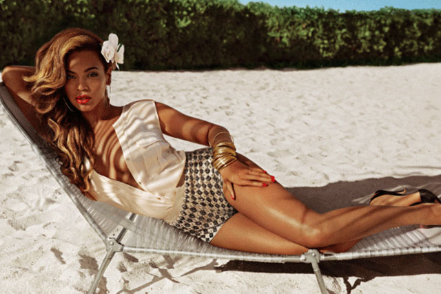 Beyoncé: stars in H&M beachwear campaign on TV
