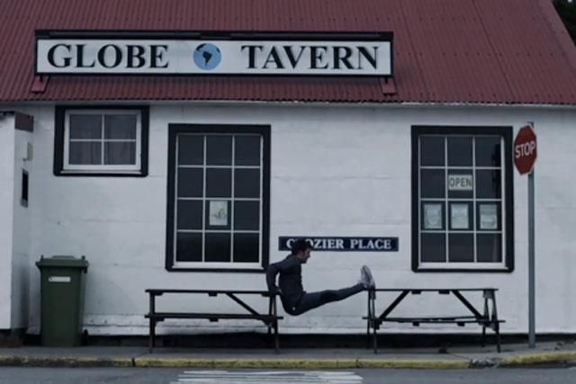 Argentina: broadcasts controversial Falklands ad