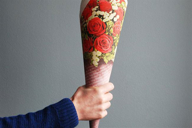 Carphone Warehouse: offers fake roses to thrifty St Valentine's Day suitors
