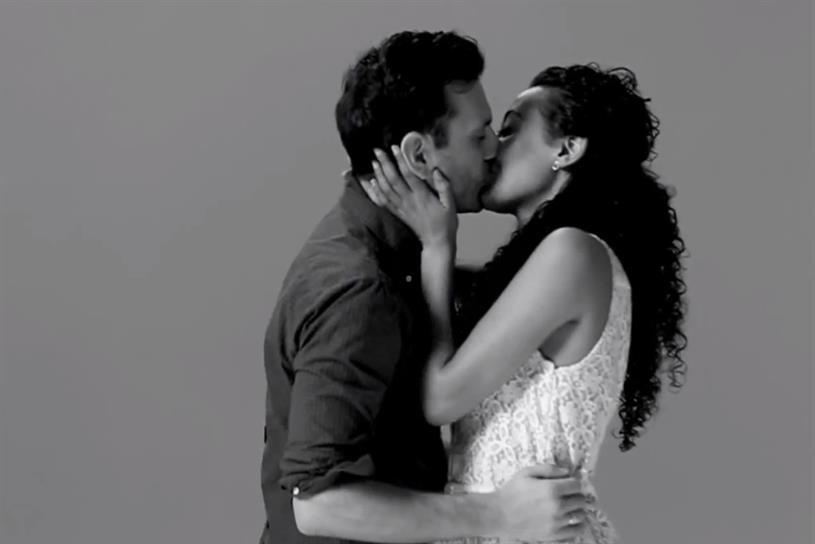 Wren Studio: first Kiss viral tops chart