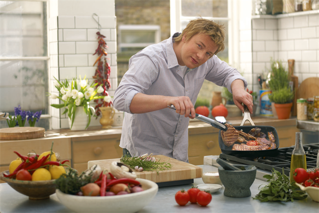 Jamie Oliver: Uncle Ben's renews support for Jamie's Money Saving Meals
