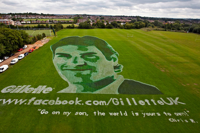 Gillette: fans help to create giant Roger Federer campaign