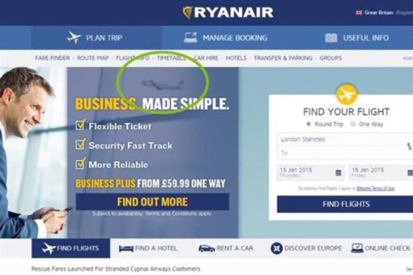 "Aer Lingus ""photobombed"" rival Ryanair's ad."