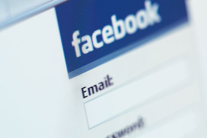 Facebook: invests in IBM patents