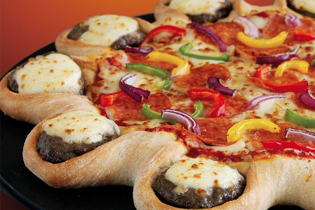Pizza Hut: cheeseburger crust campaign