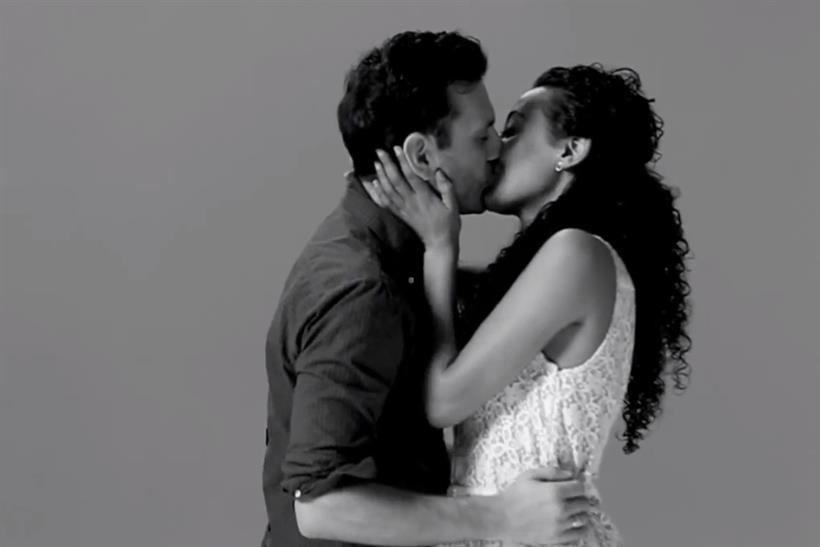 Wren Studio: first Kiss viral tops chart