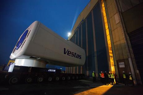 The nacelle is 20 metres long, 8 metres wide and high and weighs approximately 390 tons
