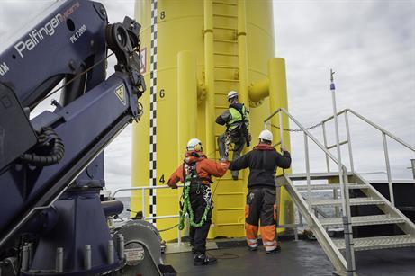 Siemens' workmen transfer onto a turbine at Baltic 1
