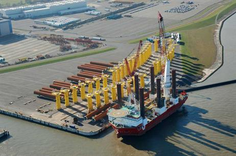 Cuxport worked with Ballast Nedam Offshore to ensure the 600-ton monopiles were sealed before transportation to the site.