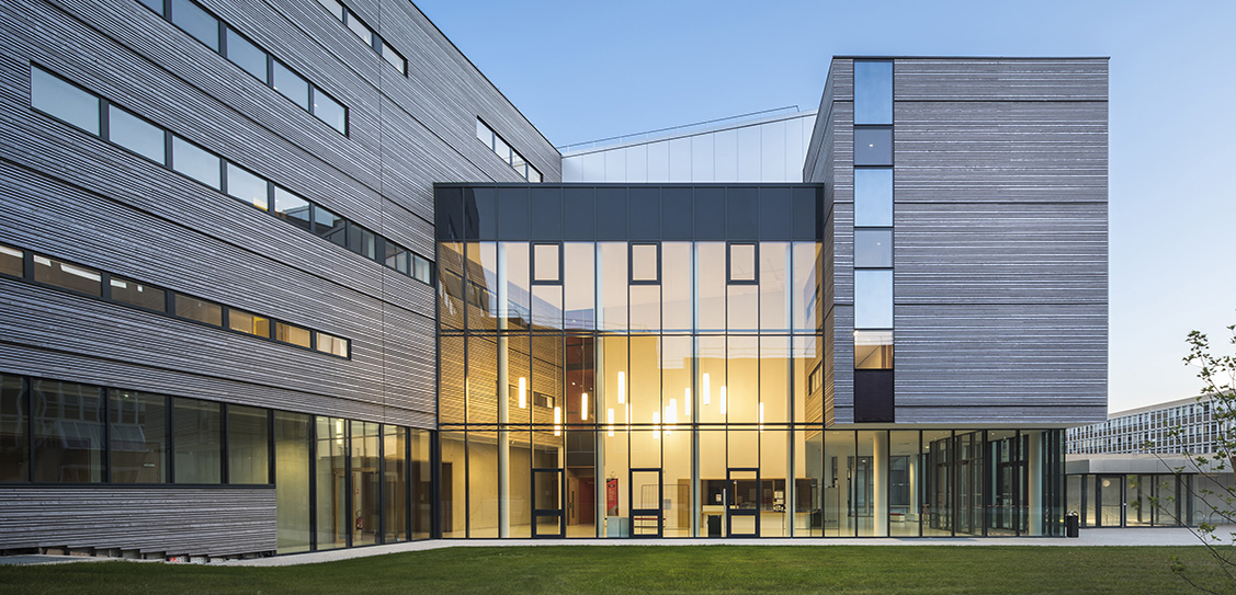 WESTERN PARIS UNIVERSITY Continuing Education Building - Ameller Dubois