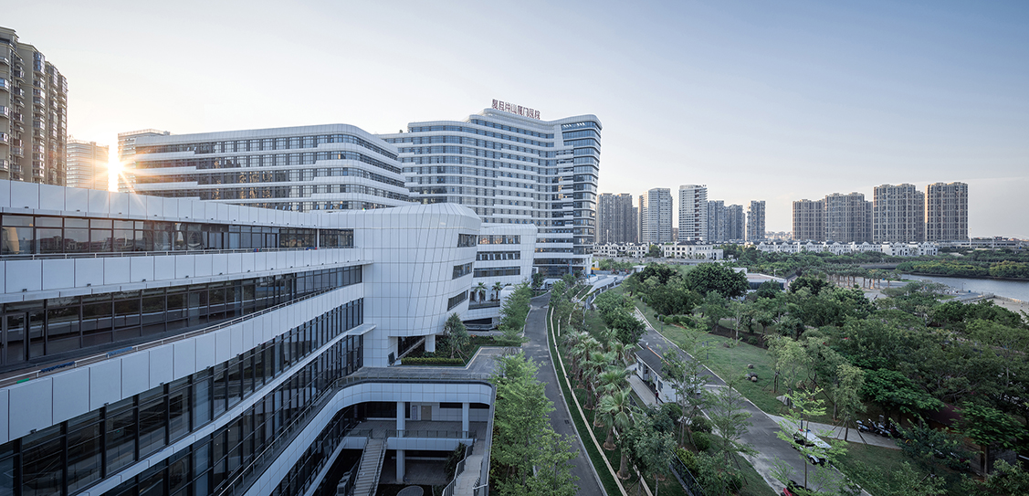 Xiamen Branch, Zhongshan Hospital, Fudan University - Arcplus Group PLC Institute of Shanghai Architectural Design & Research CO.,LTD.