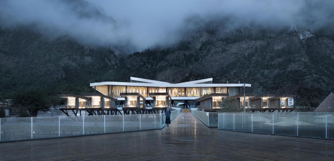 Ranwu Lake (Tibet) International Self-drive Tour and Recreational Vehicle Campsite