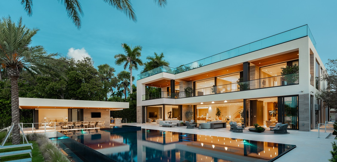 Tropical Modern house in Miami. Picture: Choeff Levy Fischman