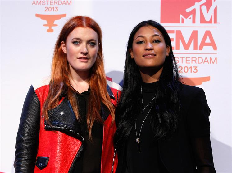 Icona Pop pose for cameras before the awards