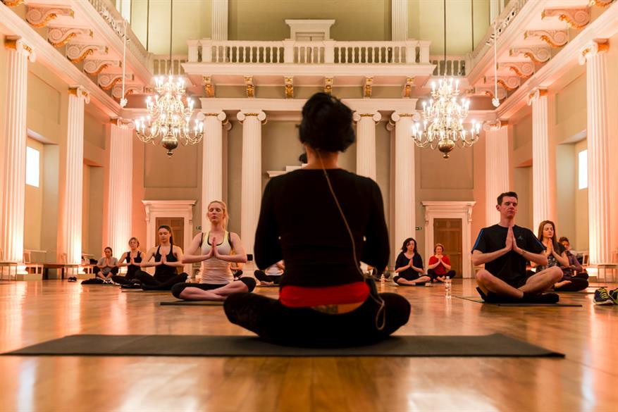 Yoga Breakfast at Banqueting House. Photo by Miles Willis.