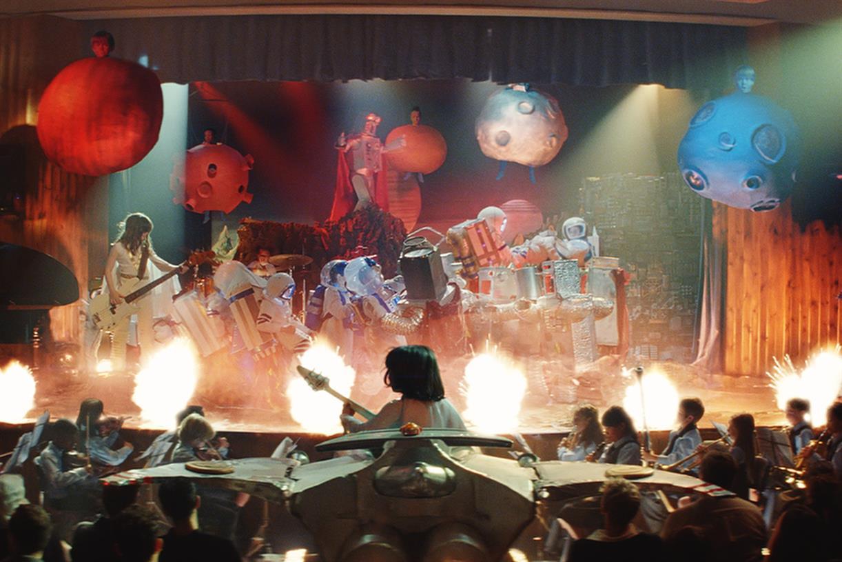 Resultado de imagem para John Lewis & Partners + Waitrose & Partners Ad - Bohemian Rhapsody