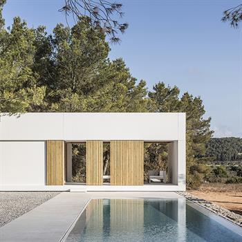 Marià Castelló's intervention transforms terraces into Ca l'Amo