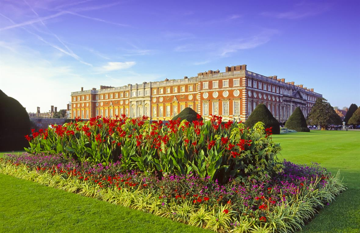 Hampton Court Palace (Photo: Pawel Libera via Getty images)