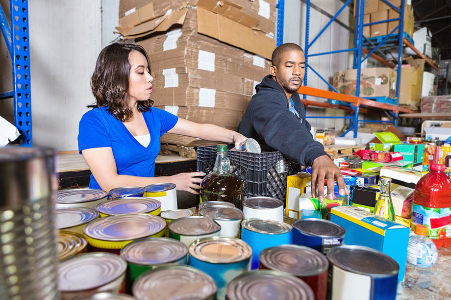 Volunteers at a food bank (Getty Images)