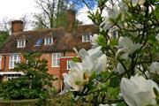 Historic Sevenoaks garden to open early due to warming climate