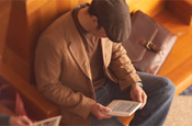 Kindle: Amazon reader goes head-to-head with Sony