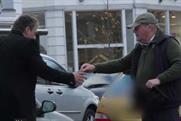 Confused.com: films 'drunk' driver stunt