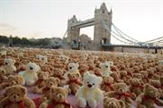 Cake stages huge teddy bears' picnic