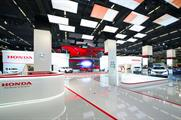 The Dream Wave was positioned overhead so as to immerse visitors in the world of Honda