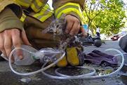 GoPro: fireman rescues kitten