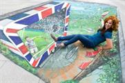 Passers-by immerse themselves in 3D Wimbledon art