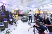 Shoppers throw O2 snowballs to win Priority prizes at Bluewater