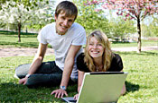 Online newspapers: attracting the young and affluent