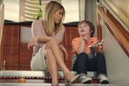 Emirates finds a little friend for Jennifer Aniston in latest global ad
