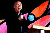 Bruce: Radio 2 presenter