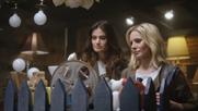 'Frozen' stars Kristen Bell and Idina Menzel reunite for AmEx spot
