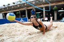 Foster's brings Australian beach volleyball to Covent Garden