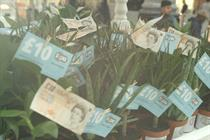 Event TV: Zopa hands out free money trees to commuters