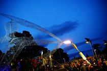 Strongbow erects giant archer at Victorious Festival