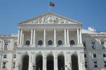 Portuguese parliament slams excessive payments to generators