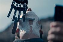 """EE """"A close yet far shave"""" by Saatchi & Saatchi London"""